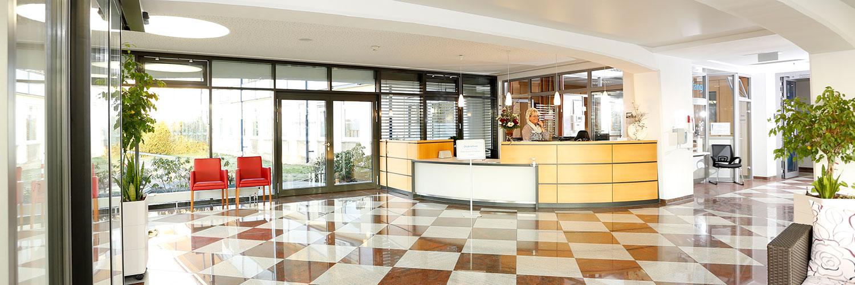 Orthopädische Klinik Hessisch Lichtenau - Empfang der Klinik