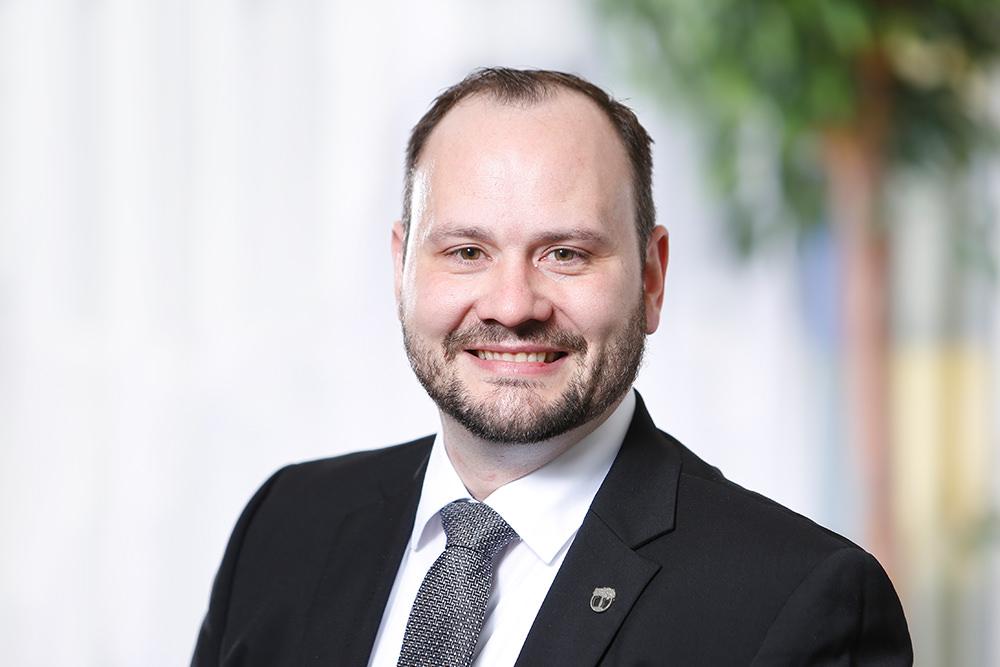 Orthopädische Klinik Hessisch Lichtenau - Geschäftsführer - Matthias Adler